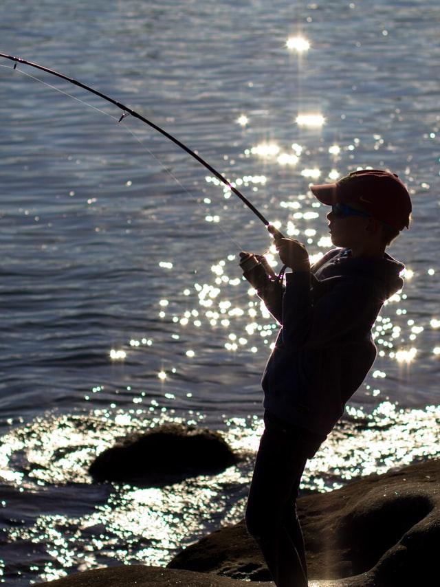 fishing holger-link-88H_LanvVXk-unsplash