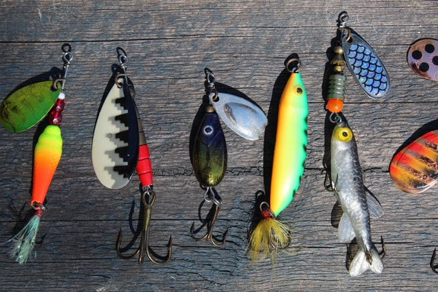 fishing lures anne-nygard-viq9Ztqi3Vc-unsplash